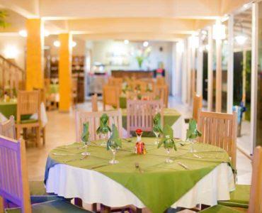 hotel-lacigale-restaurant-galeries (1)
